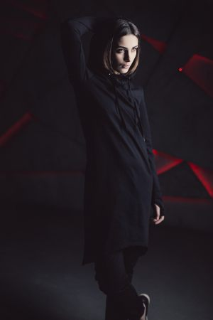 Платье с капюшоном Black